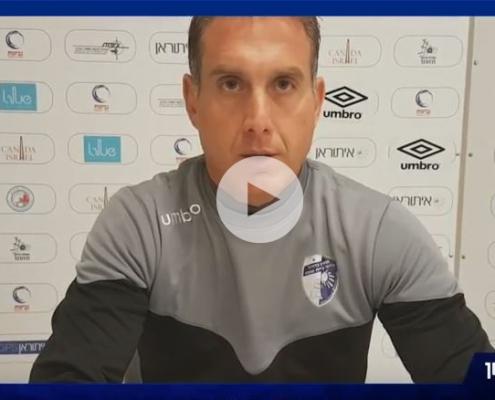 מאמן הקבוצה תומר קשטן מדבר לקראת המשחק מול הפועל חיפה